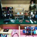 bijoux et accessoires disponible chez Voisinage